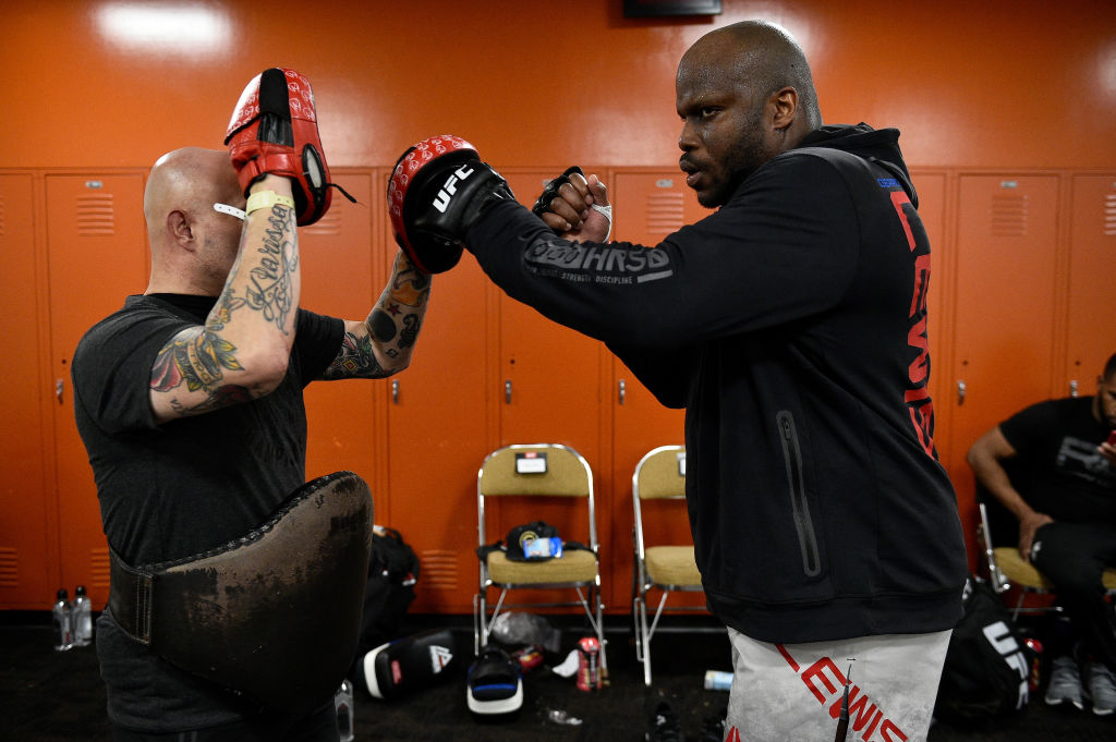 Derrick Lewis (R) warms up backstage during the UFC Fight Night event on February 18, 2018 in Austin, TX. (Photo by Mike Roach/Zuffa LLC)