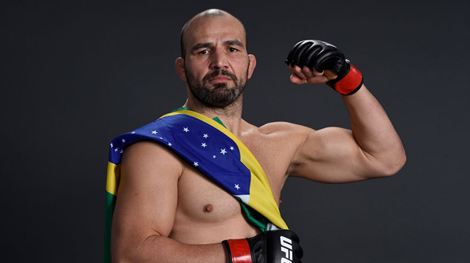 WINNIPEG, CANADA - DECEMBER 16: Glover Teixeira of Brazil poses for a backstage portrait backstage during the UFC Fight Night event at Bell MTS Place on December 16, 2017 in Winnipeg, Manitoba, Canada. (Photo by Mike Roach/Zuffa LLC via Getty Images)