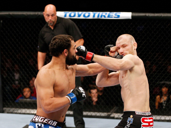 Hendricks delivers KO blow to Kampmann
