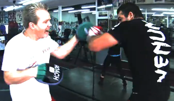 Rua works out with famed boxing coach Freddie Roach