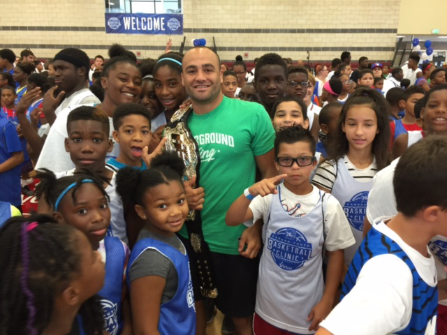 Alvarez joined the 76ers for a good cause on August 10 (Photo credit: Scott O'Neil)
