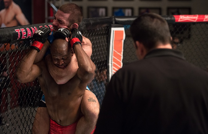 Tom Gallicchio locks in a rear naked choke on Eddie Gordon during The Ultimate Fighter: Redemption