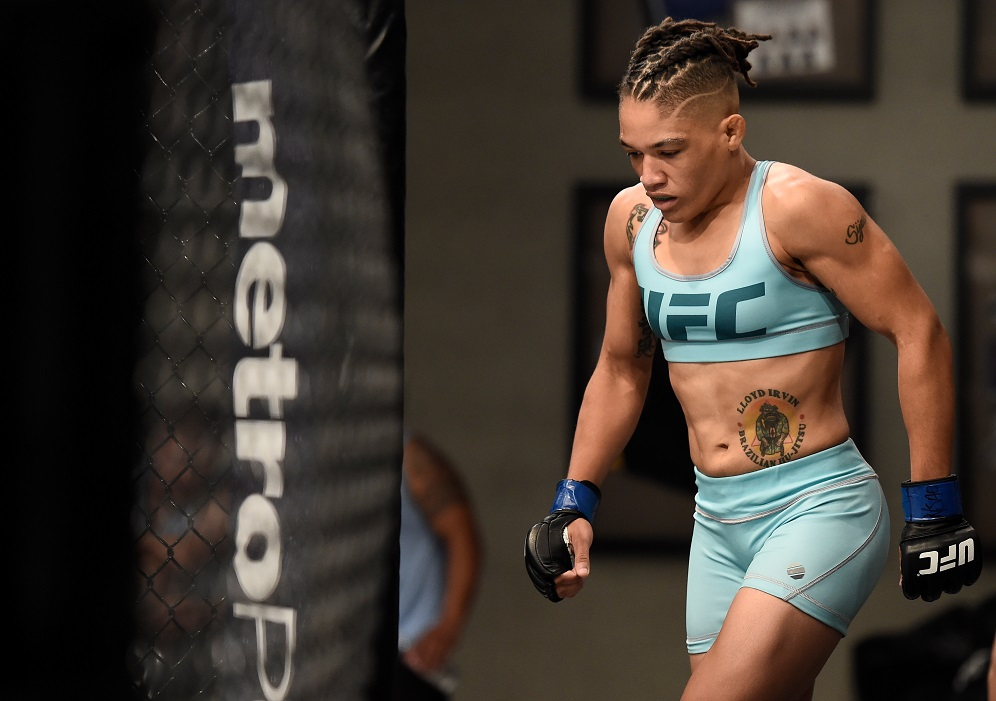 Sijara Eubanks, the No. 12 seed, attempts to complete the upset over Roxanne Modafferi in the semifinals of The Ultimate Fighter