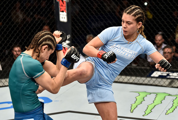 (R-L) Nicco Montano kicks Roxanne Modaferri during their bout during the TUF Finale event inside Park Theater on December 01, 2017 in Las Vegas, Nevada. (Photo by Jeff Bottari/Zuffa LLC)