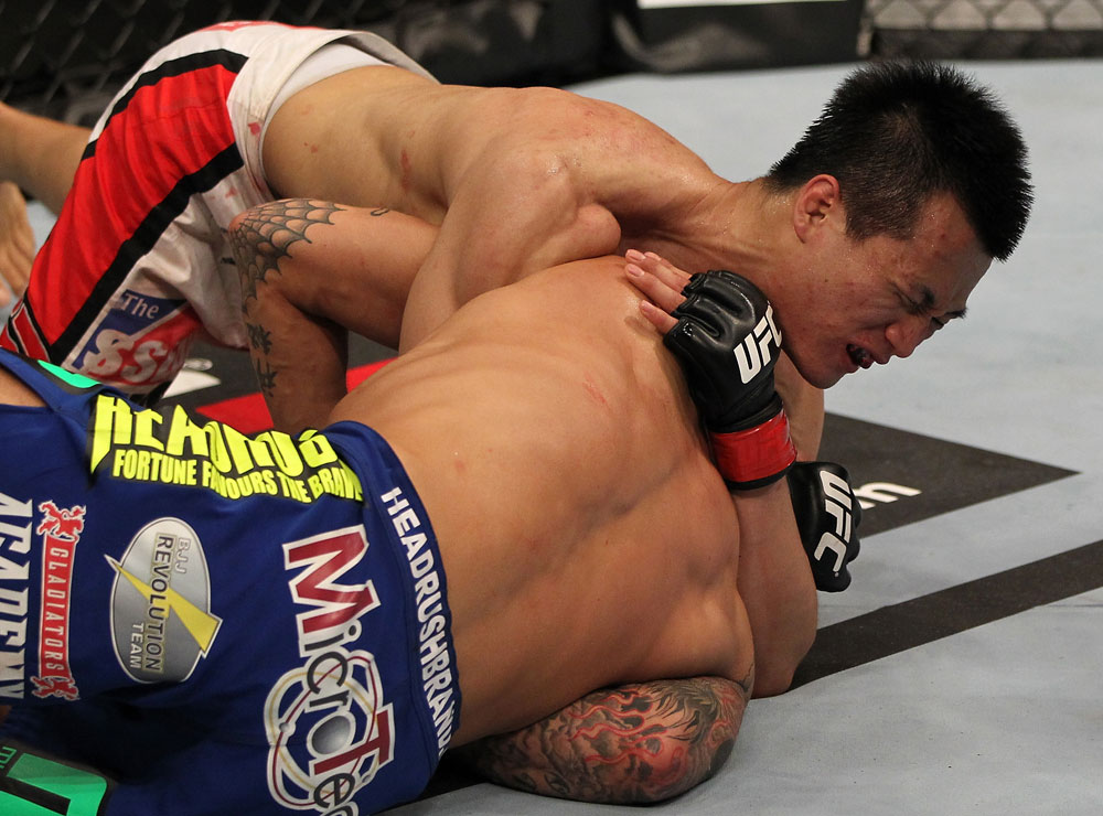 Chan Sung Jung submits Dustin Poirier