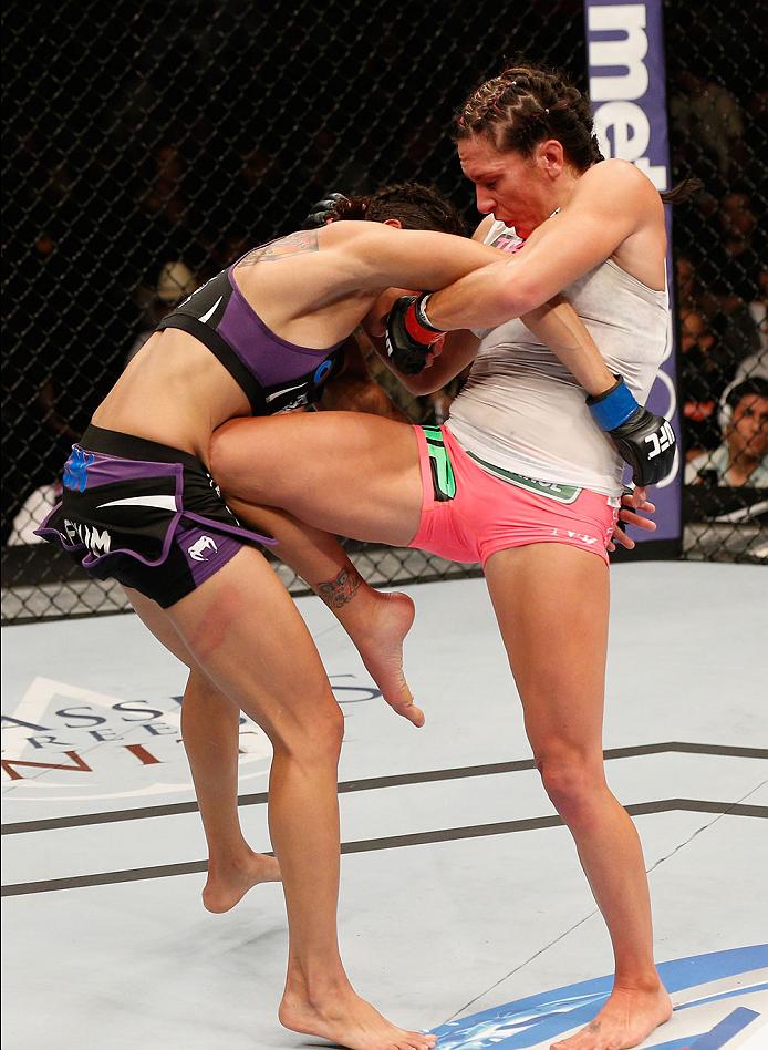 Zingano knees Amanda Nunes