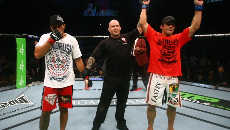 Aaron Simpson scores a unanimous decision victory over Brad Tavares.