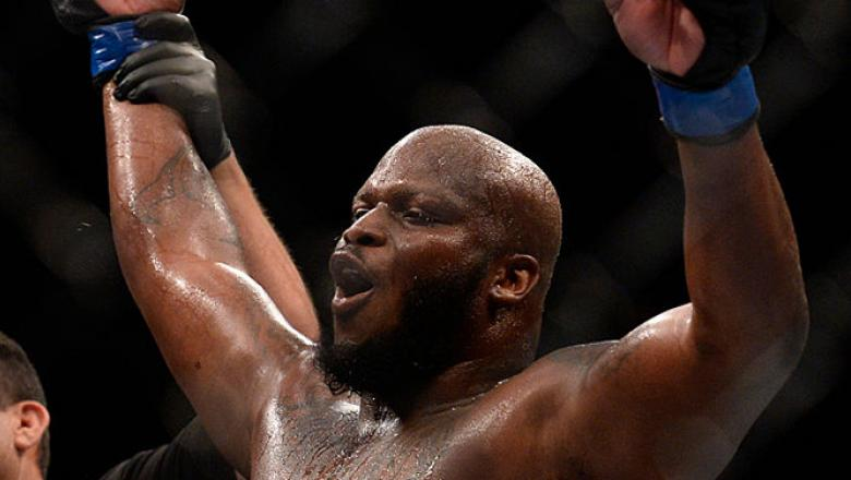 LAS VEGAS, NV - JULY 07:   Derrick Lewis celebrates after his split-decision victory over Roy Nelson in their heavyweight bout during the UFC Fight Night event inside the MGM Grand Garden Arena on July 7, 2016 in Las Vegas, Nevada. (Photo by Brandon Magnu