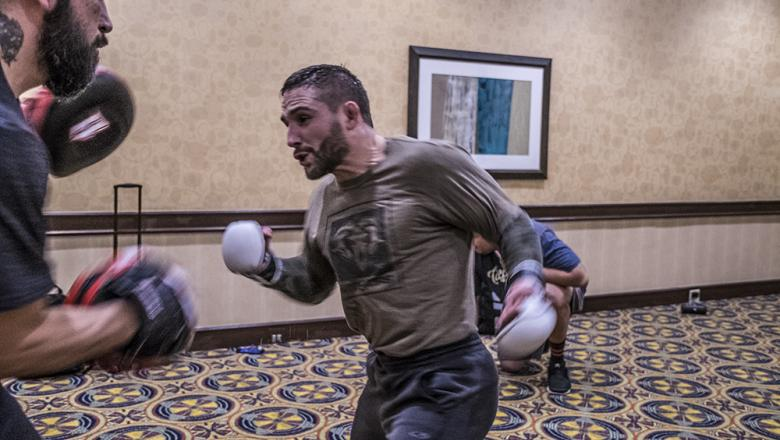 UFC 232 Chad Mendes late workout