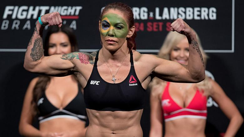 BRASILIA, BRAZIL - SEPTEMBER 23: Cris Cyborg of Brazil steps on the scale during the UFC Fight Night weigh-in at Nilson Nelson gymnasium on September 23, 2016 in Brasilia, Brazil. (Photo by Buda Mendes/Zuffa LLC/Zuffa LLC via Getty Images)