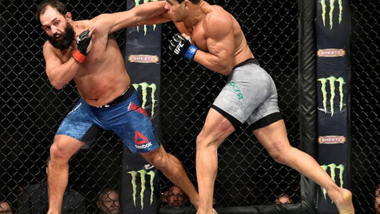 NEW YORK, NY - NOVEMBER 04: Paulo Costa of Brazil fights Johny Hendricks in their middleweight bout during the UFC 217 event at Madison Square Garden on November 4, 2017 in New York City.  (Photo by Jeff Bottari/Zuffa LLC/Zuffa LLC via Getty Images)