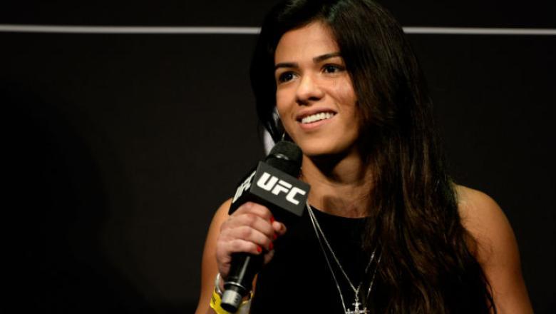 Claudia Gadelha no Q&A do UFC SP