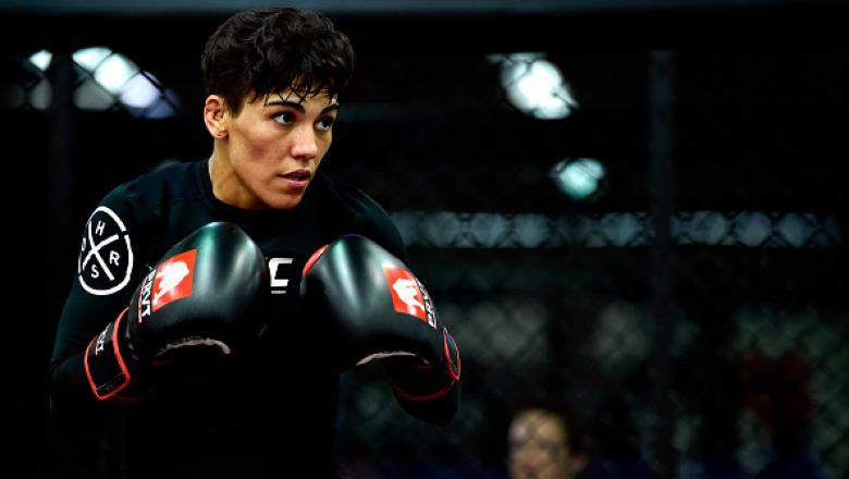 Perto de fazer a sua 13ª luta no octógono, Jéssica Andrade faz um balanço de sua carreira, analisa o duelo contra Tecia Torres no UFC Orlando e garante que ainda não desistiu do sonho de conquistar o cinturão do peso-palha.
