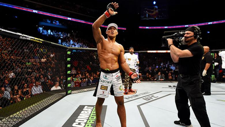 NEWARK, NJ - APRIL 18:  Ronaldo 'Jacare' Souza of Brazil celebrates his win over Chris Camozzi by tap out in their middleweight bout during the UFC Fight Night event at Prudential Center on April 18, 2015 in Newark, New Jersey.  (Photo by Josh Hedges/Zuff
