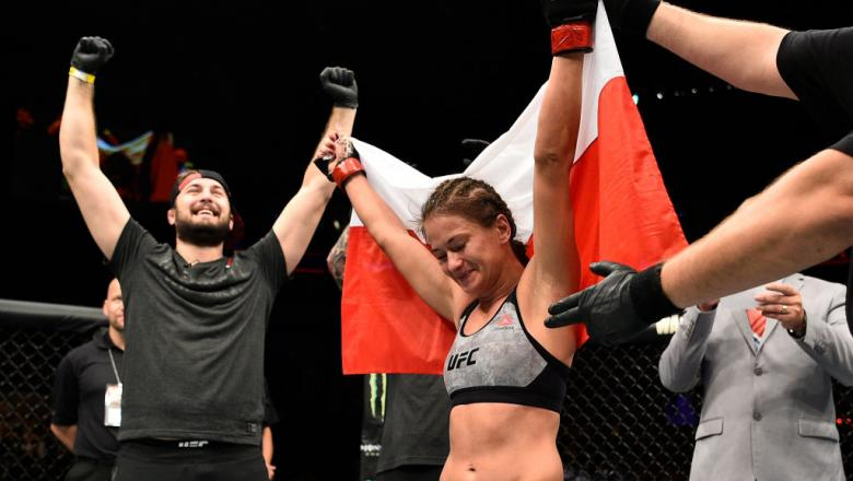 GDANSK, POLAND - OCTOBER 21:  Karolina Kowalkiewicz of Poland celebrates after her victory over Jodie Esquibel in their women's strawweight bout during the UFC Fight Night event inside Ergo Arena on October 21, 2017 in Gdansk, Poland. (Photo by Jeff Botta