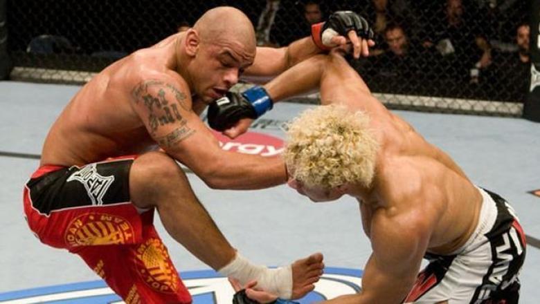 UFC 90 Thiago Alves vs Josh Koscheck