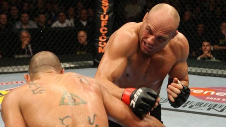 UFC 105 Randy Couture vs Brandon Vera
