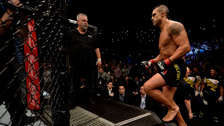 SAO PAULO, BRAZIL - NOVEMBER 07:  Vitor Belfort of Brazil enters the octagon prior to his middleweight bout against Dan Henderson of the United States during the UFC Fight Night Belfort v Henderson on November 7, 2015 in Sao Paulo, Brazil.  (Photo by Buda
