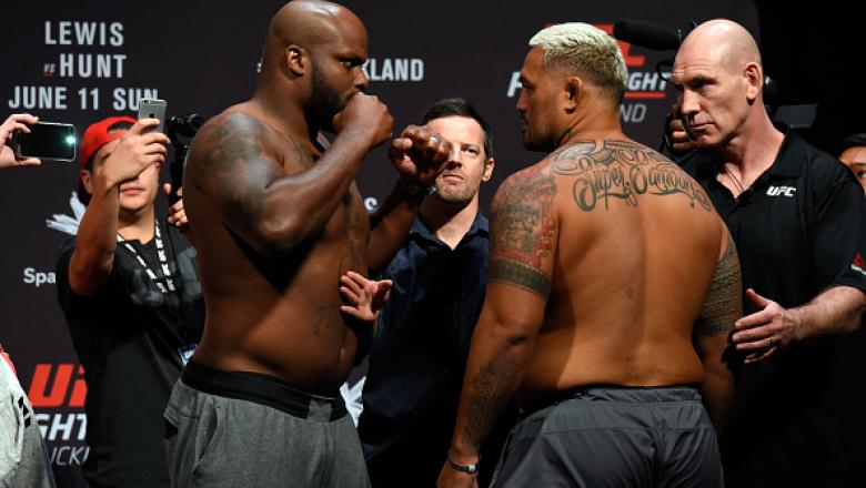 AUCKLAND, NEW ZEALAND - JUNE 10:  (L-R) Derrick Lewis of the United States and Mark Hunt of New Zealand face off during the UFC Fight Night weigh-in at Spark Arena on June 10, 2017 in Auckland, New Zealand. (Photo by Josh Hedges/Zuffa LLC/Zuffa LLC via Ge
