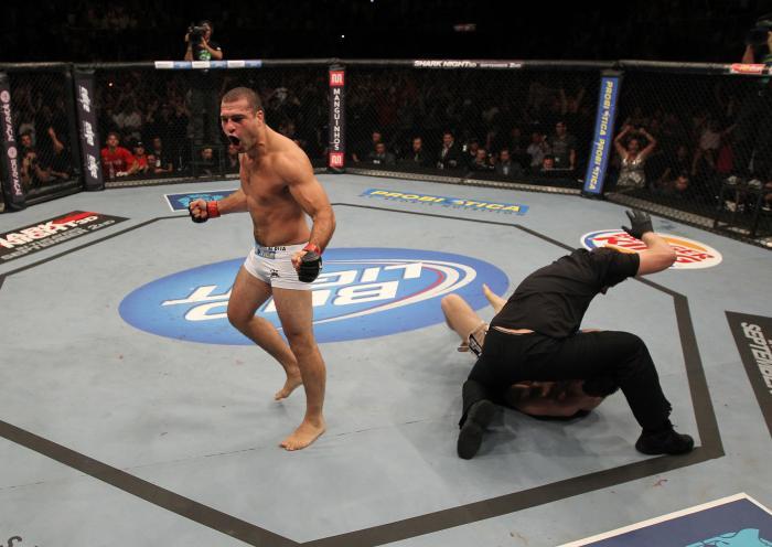 Ex-campeão dos meio-pesados, Mauricio Shogun participou de dois cards do UFC no Rio, o pioneiro UFC 134 e o UFC 190, saindo vencedor do Octógono em ambas.