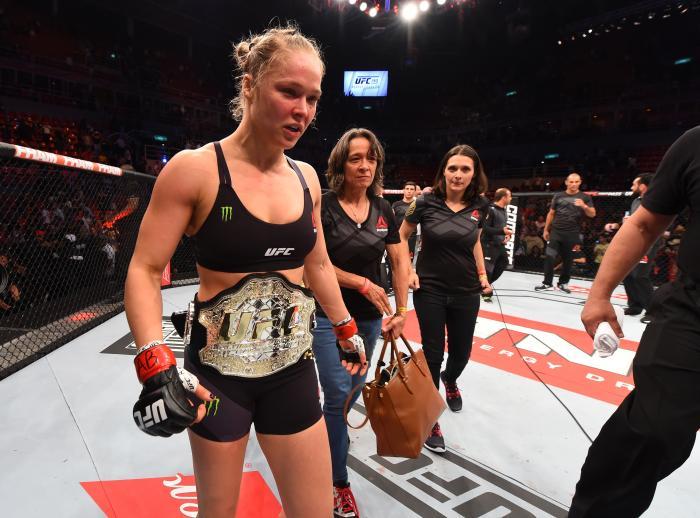 A ex-campeã Ronda Rousey também já liderou um card no Rio, o UFC 190 - em que fez sua última defesa do cinturão peso-galo no UFC.
