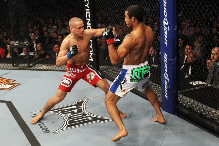 Jose Aldo vs Mark Hominick