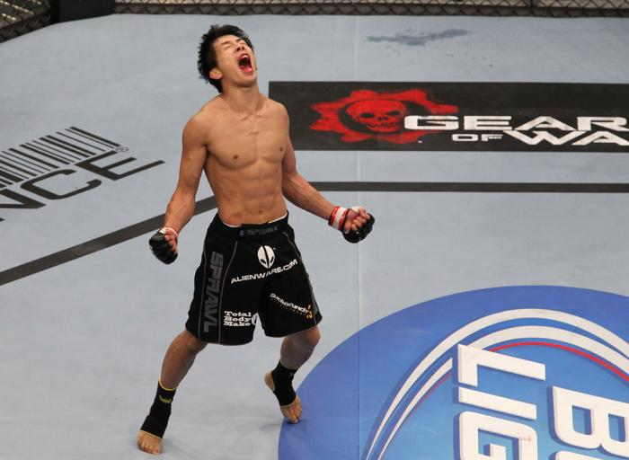 Mizugaki celebrates his win