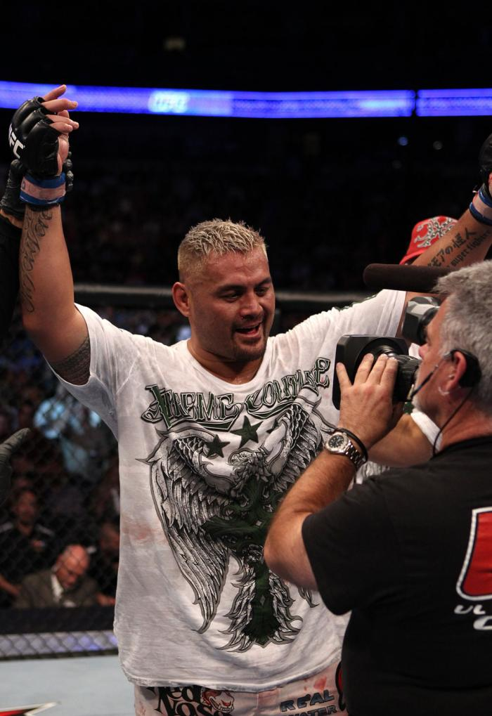 Mark Hunt celebrates his win