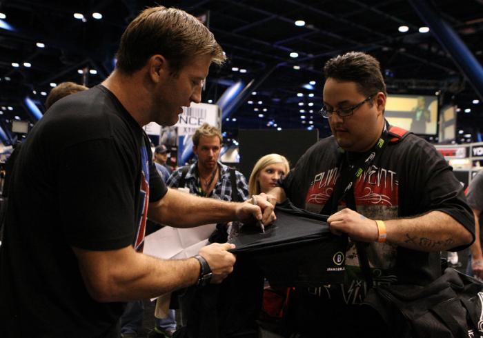Stephan Bonnar signs autographs for fans