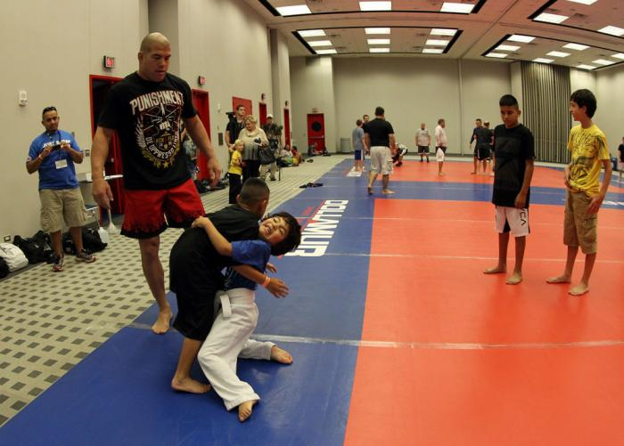 UFC fighter Tito Ortiz and teaches a seminar at the UFC Fan Expo