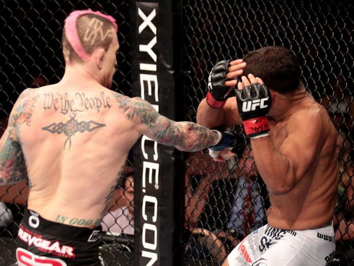 Tyson Griffin (white trunks) vs Bart Palaszewski (black trunks)