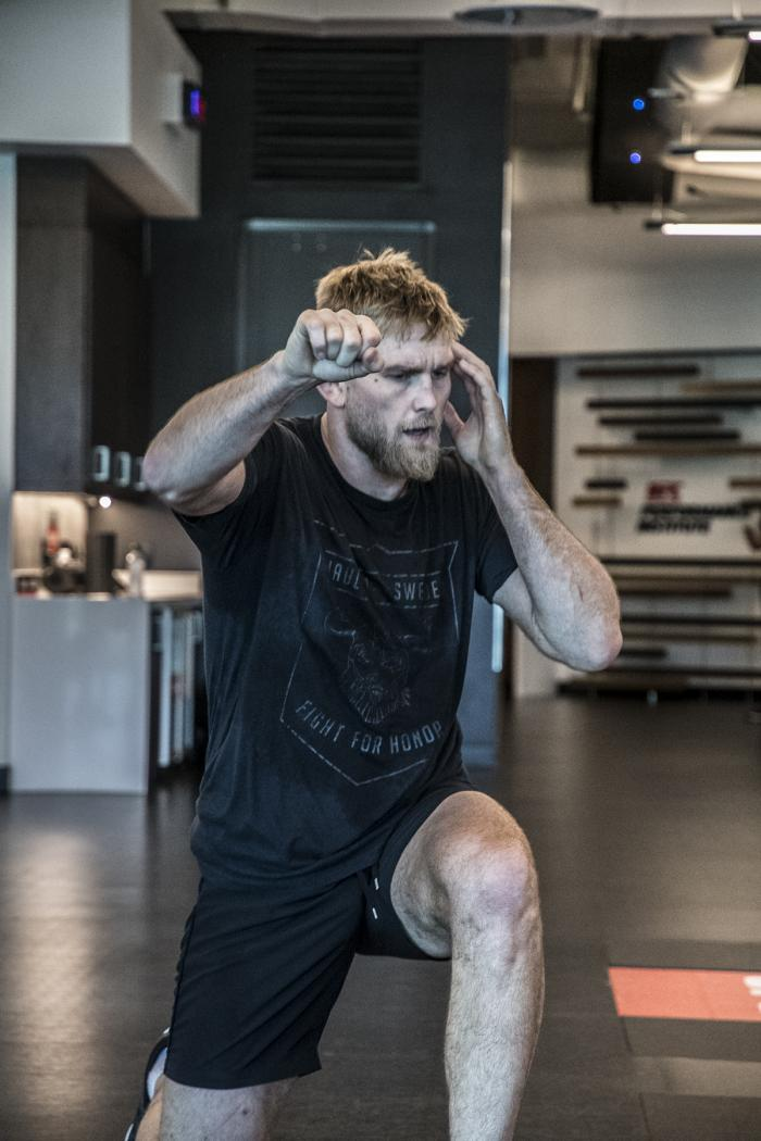 Alexander Gustafsson prepares for UFC 232 at the UFC Performance Institute