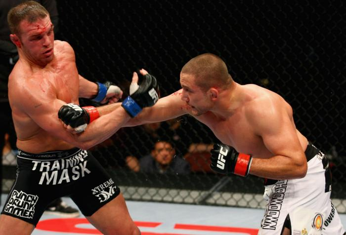 Mike Pierce vs Paul Bradley