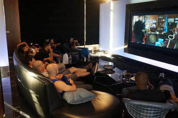 En la casa tampoco pueden ver Televisión, por lo que esto fue una buena distracción