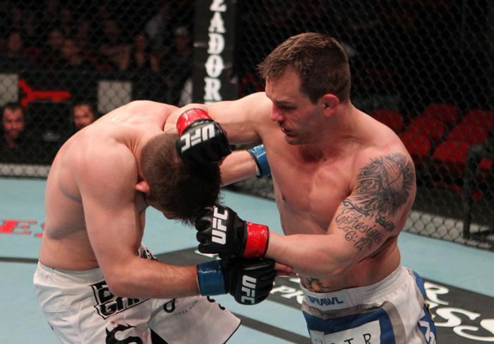 Nik Lentz vs Waylon Lowe