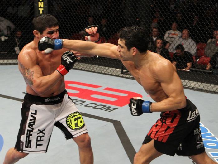 Danny Castillo vs Joe Stevenson