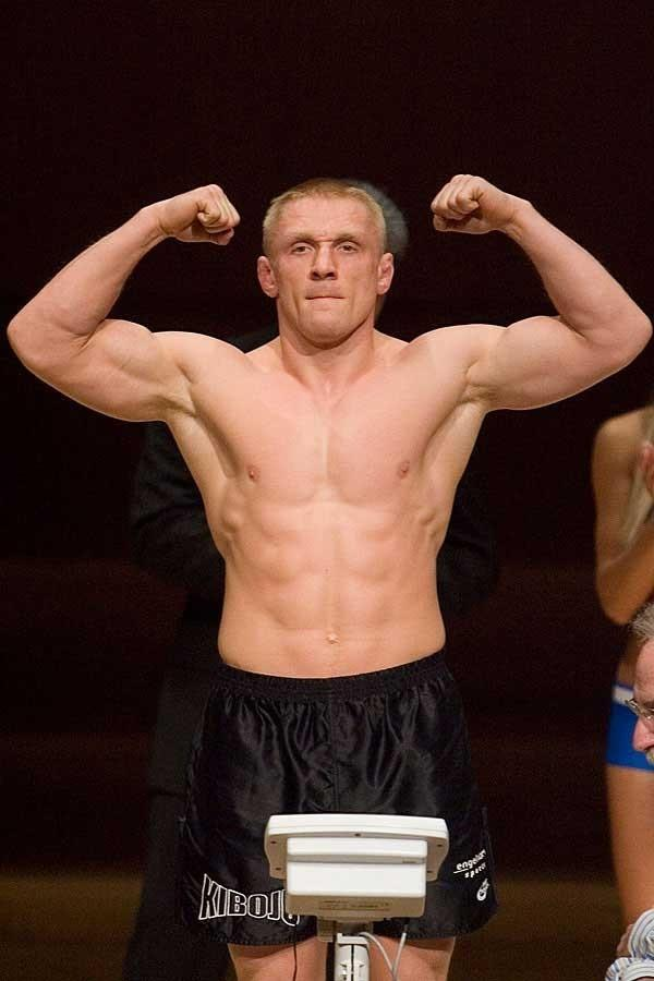 UFC 70: Nations Collide  Weigh-In: Dennis Siver