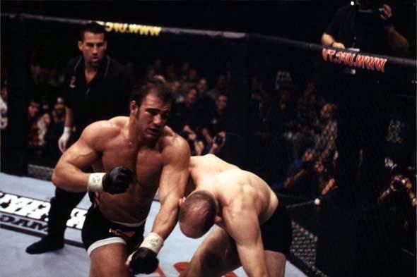 UFC 34 Image 06