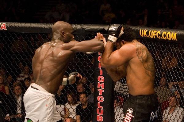UFC 70: Nations Collide Assuerio Silva vs. Cheick Kongo