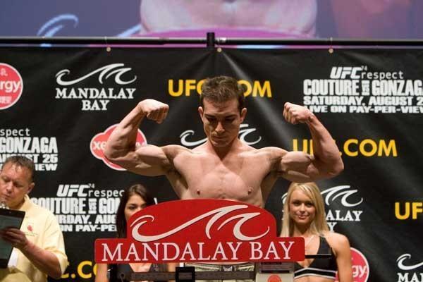 UFC 74 Weigh In Alberto Crane