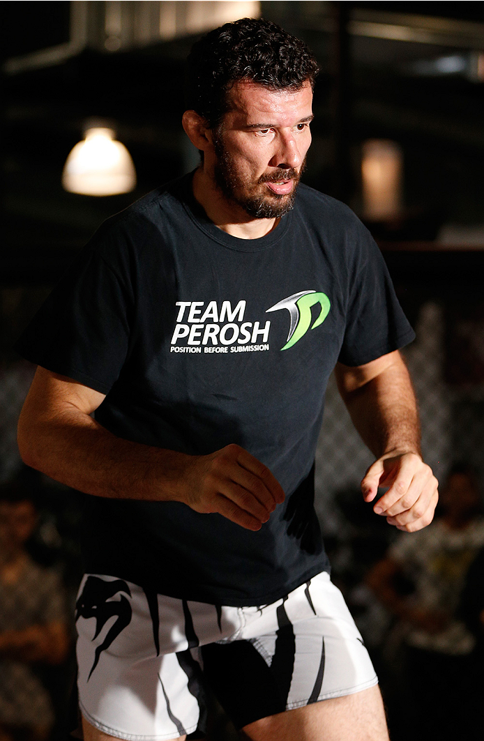 SYDNEY, AUSTRALIA - NOVEMBER 05:  Anthony Perosh of Australia holds an open training session for media at the UFC Gym Sydney on November 5, 2014 in Sydney, Australia. (Photo by Josh Hedges/Zuffa LLC/Zuffa LLC via Getty Images)
