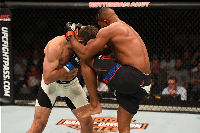 ROTTERDAM, NETHERLANDS - MAY 08:  (R-L) Alistair Overeem knees Andrei Arlovski in their heavyweight bout during the UFC Fight Night event at Ahoy Rotterdam on May 8, 2016 in Rotterdam, Netherlands. (Photo by Josh Hedges/Zuffa LLC/Zuffa LLC via Getty Image