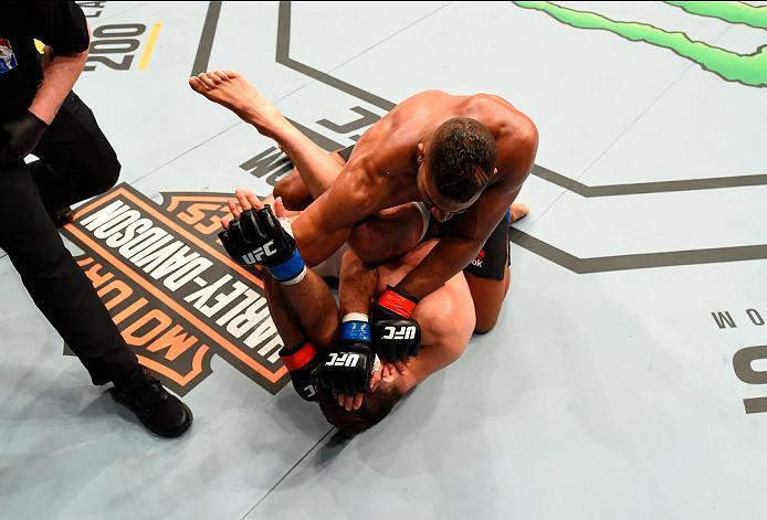ROTTERDAM, NETHERLANDS - MAY 08:  Alistair Overeem (top) punches Andrei Arlovski in their heavyweight bout during the UFC Fight Night event at Ahoy Rotterdam on May 8, 2016 in Rotterdam, Netherlands. (Photo by Josh Hedges/Zuffa LLC/Zuffa LLC via Getty Ima