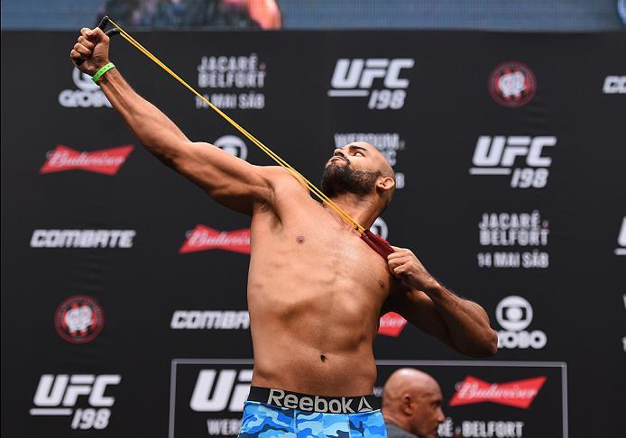 CURITIBA, BRAZIL - MAY 13:  Warlley Alves of Brazil steps on the scale during the UFC 198 weigh-in at Arena da Baixada stadium on May 13, 2016 in Curitiba, Parana, Brazil.  (Photo by Josh Hedges/Zuffa LLC/Zuffa LLC via Getty Images)