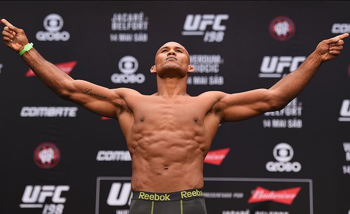 CURITIBA, BRAZIL - MAY 13:  Ronaldo 'Jacare' Souza of Brazil steps on the scale during the UFC 198 weigh-in at Arena da Baixada stadium on May 13, 2016 in Curitiba, Parana, Brazil.  (Photo by Josh Hedges/Zuffa LLC/Zuffa LLC via Getty Images)