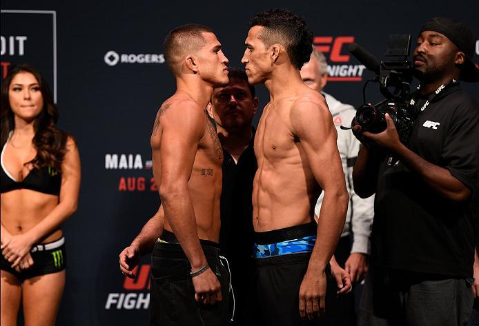 VANCOUVER, BC - AUGUST 26:  (L-R) Opponents Anthony Pettis of the United States and Charles Oliveira of Brazil face off during the UFC Fight Night Weigh-in at Rogers Arena on August 26, 2016 in Vancouver, British Columbia, Canada. (Photo by Jeff Bottari/Z