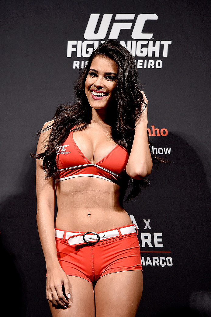 RIO DE JANEIRO, BRAZIL - MARCH 20:  Octagon Girl Camila Oliveira waves to the audience during the UFC Fight Night Weigh-ins at Maracanazinho  on March 20, 2015 in Rio de Janeiro, Brazil.  (Photo by Buda Mendes/Zuffa LLC/Zuffa LLC via Getty Images)
