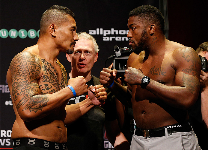 SYDNEY, AUSTRALIA - NOVEMBER 07:  (L-R) Opponents Soa Palelei of Australia and Walt Harris of the United States face off during the UFC Fight Night weigh-in at the Allphones Arena on November 7, 2014 in Sydney, Australia. (Photo by Josh Hedges/Zuffa LLC/Z
