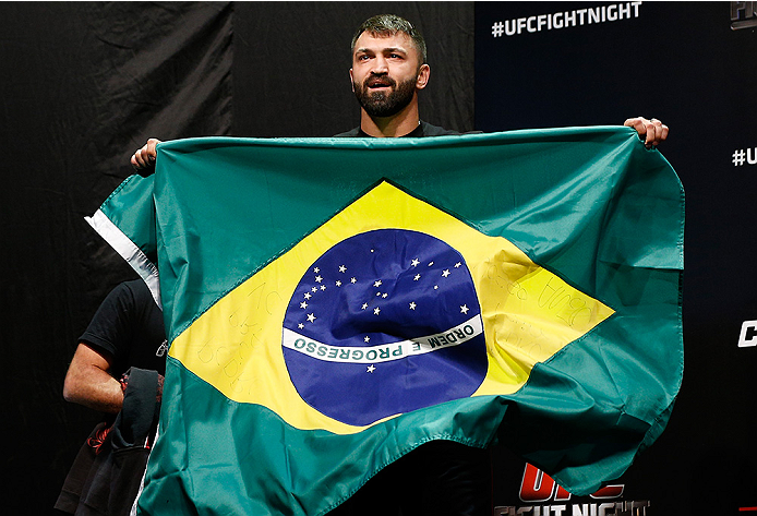 BRASILIA, BRAZIL - SEPTEMBER 12:  Andrei Arlovski of Belarus prepares to step on the scale during the UFC Fight Night weigh-in at the Nilson Nelson Gymnasium on September 12, 2014 in Brasilia, Brazil. (Photo by Josh Hedges/Zuffa LLC/Zuffa LLC via Getty Im