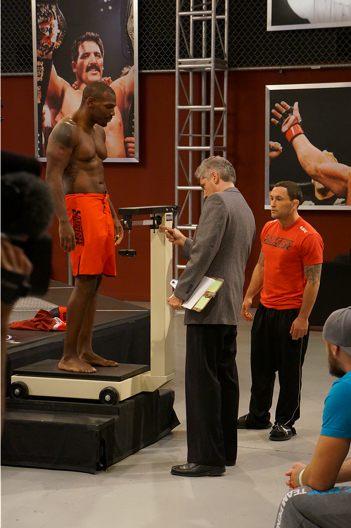 photo_galleries/Spohn-Monoghan-Weighin/Spohn-Monoghan-Weighin-TUF_19_Weigh_in_1028_105.JPG